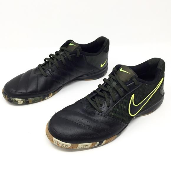 55b8b5a825f NWOT NIKE Gato II Men s Soccer Shoes. M 5b45408ca5d7c6e4469610c1